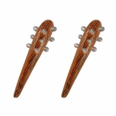 2x stuks opblaasbare bruine knuppel/knots 60 cm