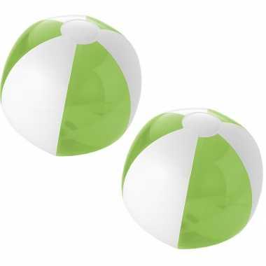 5x stuks opblaasbare strandballen groen wit 30 cm