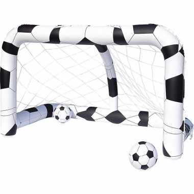 Set van 2x stuks opblaasbare speelgoed voetbal doelen met 4 ballen 213 x 122 cm