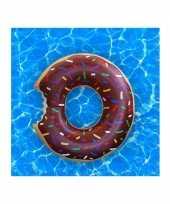 Opblaasbare chocolade donut xxl zwemband 122 cm